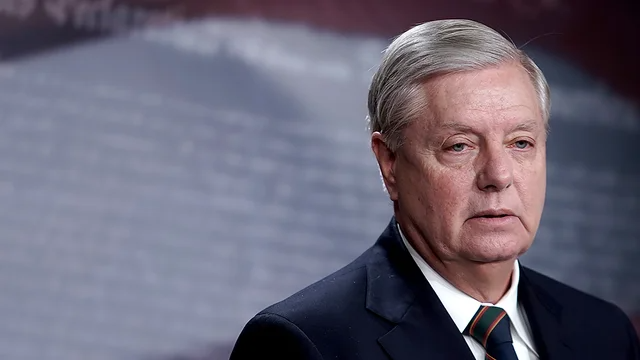 Graham calls on Schumer to hold vote to dismiss article of impeachment against Trump