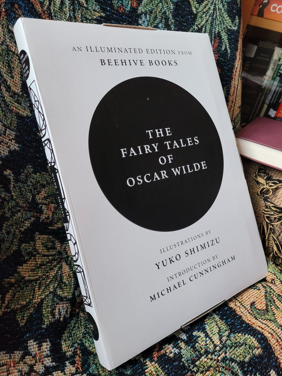 I never understood the thrill of unboxing. @beehivebks #OscarWilde #TopSurgery #GiftsForMyself