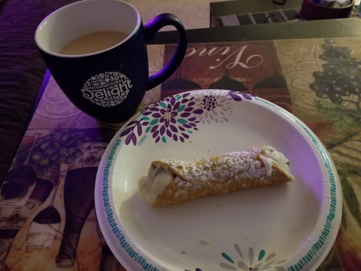 #DesertTime #Cannolie & #Coffee With My #Favorite @indelight  #Hazelnut Creamer #Yummy