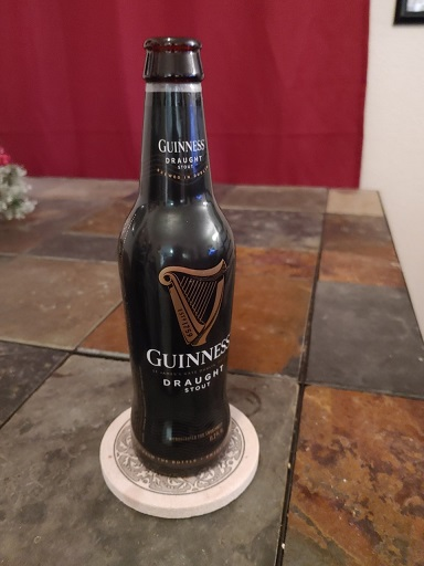 My beloved @Chiefs won, so for #MinionsHappyHour this Irishman is having a #GuinnessStout, straight from the bottle 'cause I'm a grown-ass man. Sláinte, @PatrickMahomes! #CHIEFSKINGDOM   #RunItBack