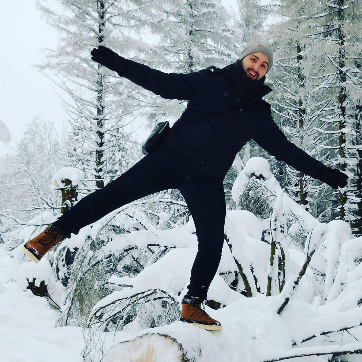 Heute war ich wandern, etwas die Seele atmen lassen. Folgt mir doch auf YouTube bei meinen LetsPlays :) 💙 Regelmäßige VideoUploads! 💙  Gamingkanal (NEU)  Mein YT-Link 🔻🔻🔻   #Gaming MitMare #YouTube #snow #Schnee #nature #youtuber #Deutschland #Germany