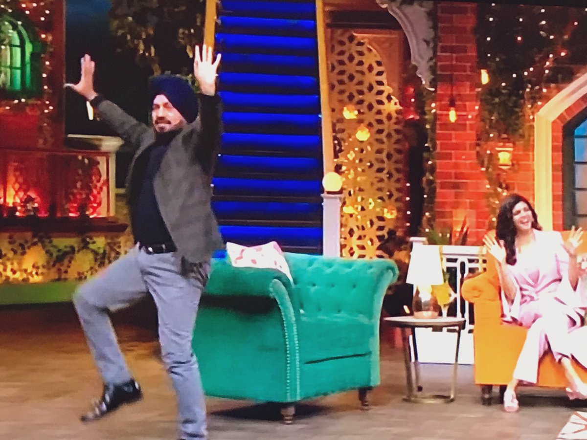 The hilarious @GurpreetGhuggi summing up EVERY relative's dance moves at a #Punjabi wedding was just 😂😂😂 👏 #TKSS