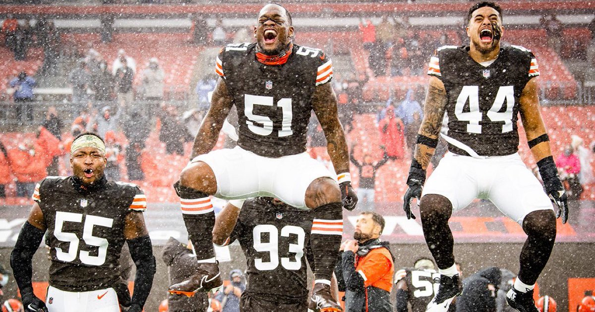 #CLEvsKC So Proud of the Browns Great year Great things to come Thank you  ❤️❤️❤️❤️❤️❤️❤️❤️❤️❤️❤️❤️❤️❤️❤️