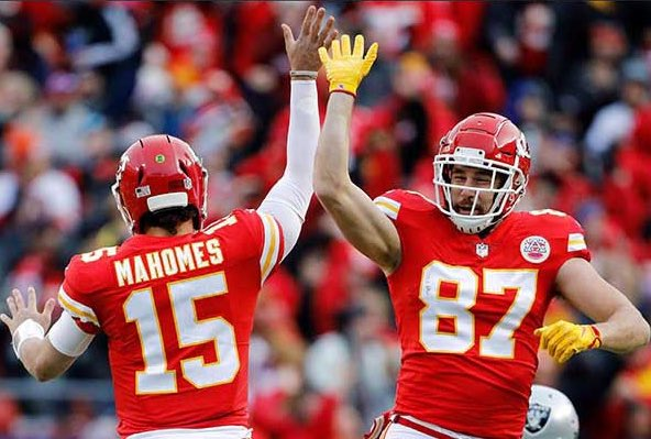 Replying to @mldiffley: The four remaining QBs giving their best teammate a high five