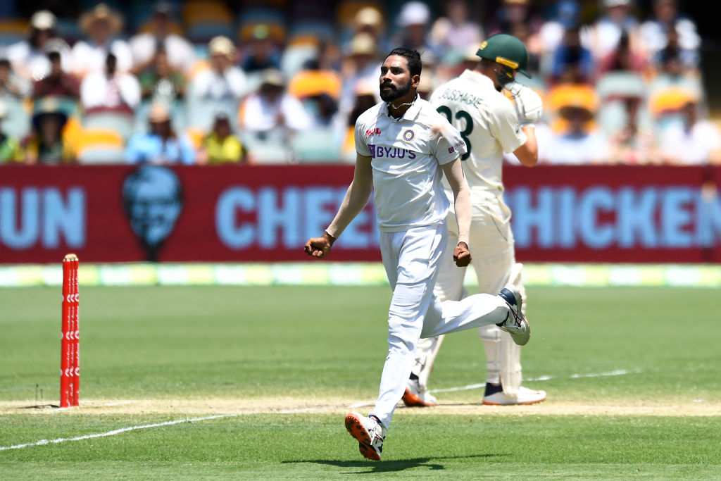 Siraj strikes twice! 2 wickets in 1 over!   The bowling change has worked wonders as Siraj first has Labuschagne caught in the slips and then removes Wade for 0. #TeamIndia #AUSvIND  AUS are 124-4 and lead by 157 runs.  Details -