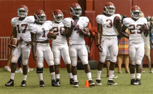 Every time I see Alvin Kamara I think of this picture of him, TJ Yeldon, Derrick Henry and Kenyan Drake back at  Alabama.   #Bucs #Saints #NFLDivisional #NFL https://t.co/Gahsp2ydrs