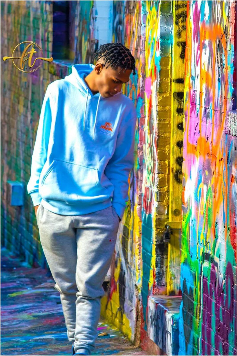 Just shooting around! Come get Framed!   #model #Baltimore #graffiti #graffitialley #instagood #PhotographyIsArt #photographyislife #canonphotography #explorepage #framed #brand #fashion
