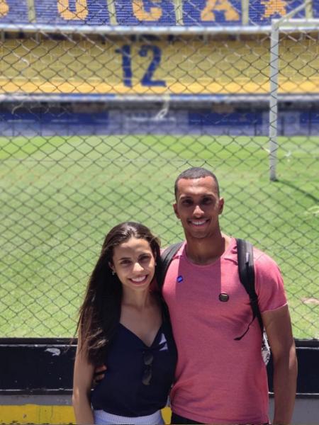 """""""Na La Bombonera, minha esposa falou que um dia eu iria jogar lá. Falei 'amor, você não sabe onde a gente tá, né? Só vou jogar aqui um dia se jogar uma #Libertadores' Tudo aconteceu muito mais rápido do que eu esperava""""   O sonho é real, Lucas Braga! 🤍🖤"""