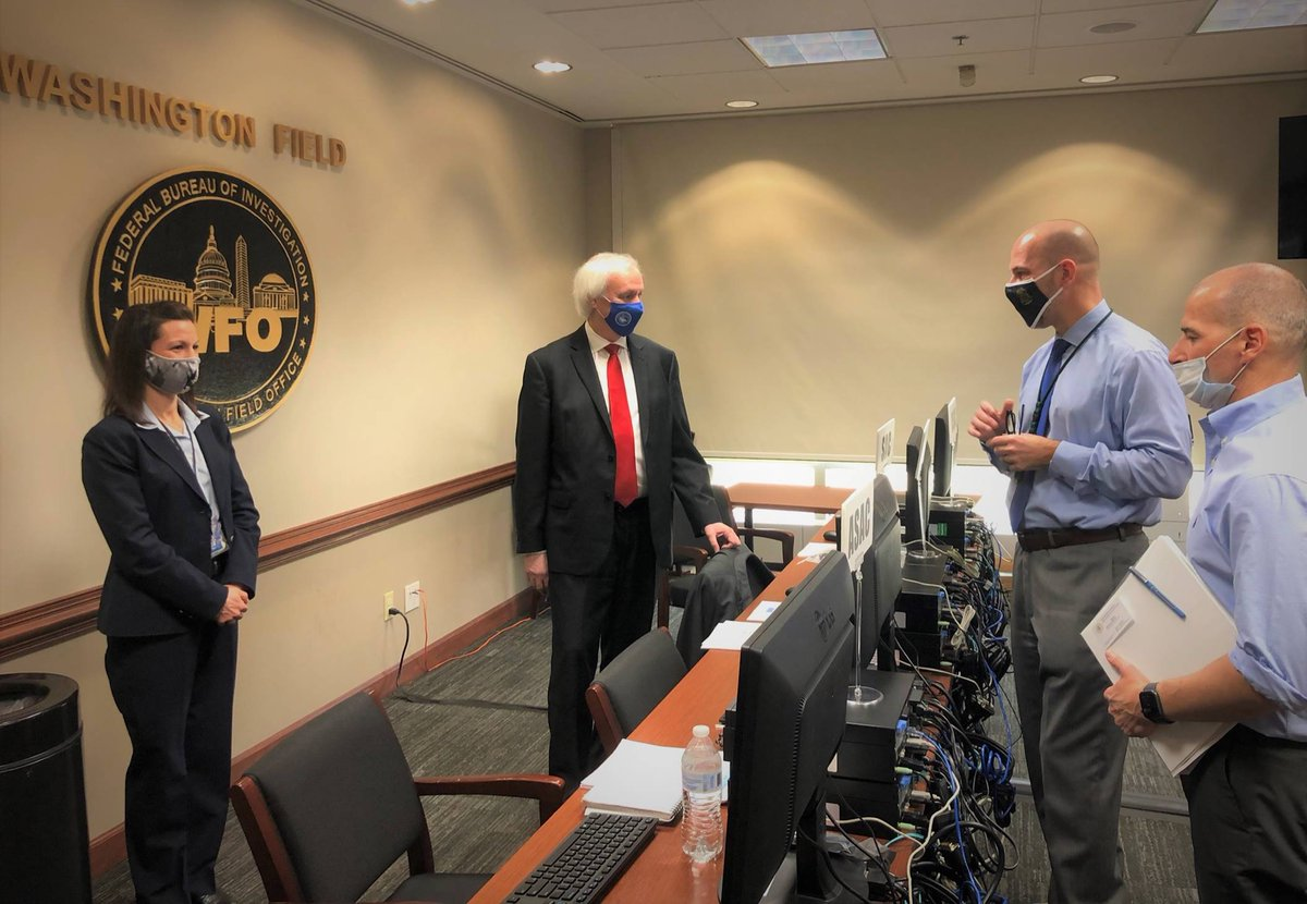 Acting Attorney General Jeff Rosen visits @FBIWFO today for a briefing on the 1/6 Capitol attack investigation with @USAO_DC Acting U.S. Attorney Mike Sherwin, @FBIWFO ADIC Steven M. D'Antuono and @FBIWFO Assistant Special Agent in Charge Jennifer May.