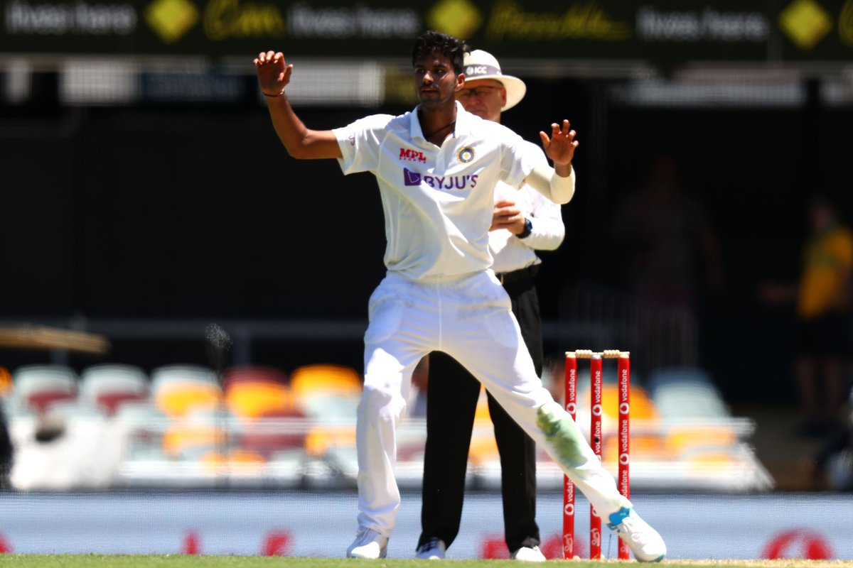 DOUBLE TROUBLE! ✌️  Washington Sundar grabs his second Test wicket. Cameron Green goes for 47.  #AUSvIND |