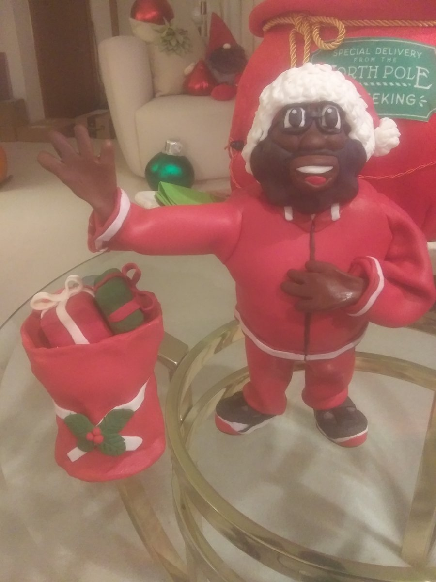 "Black Santa Says ""Peace! 'Till Next Year!!"" 🎅🏾🎅🏾🎅🏾🎄🎄🎄❄❄❄ ✌🏽✌🏽✌🏽 *Inspired by @blacksanta #merrychristmas #blacksanta #allblackeverything #christmas #santa"