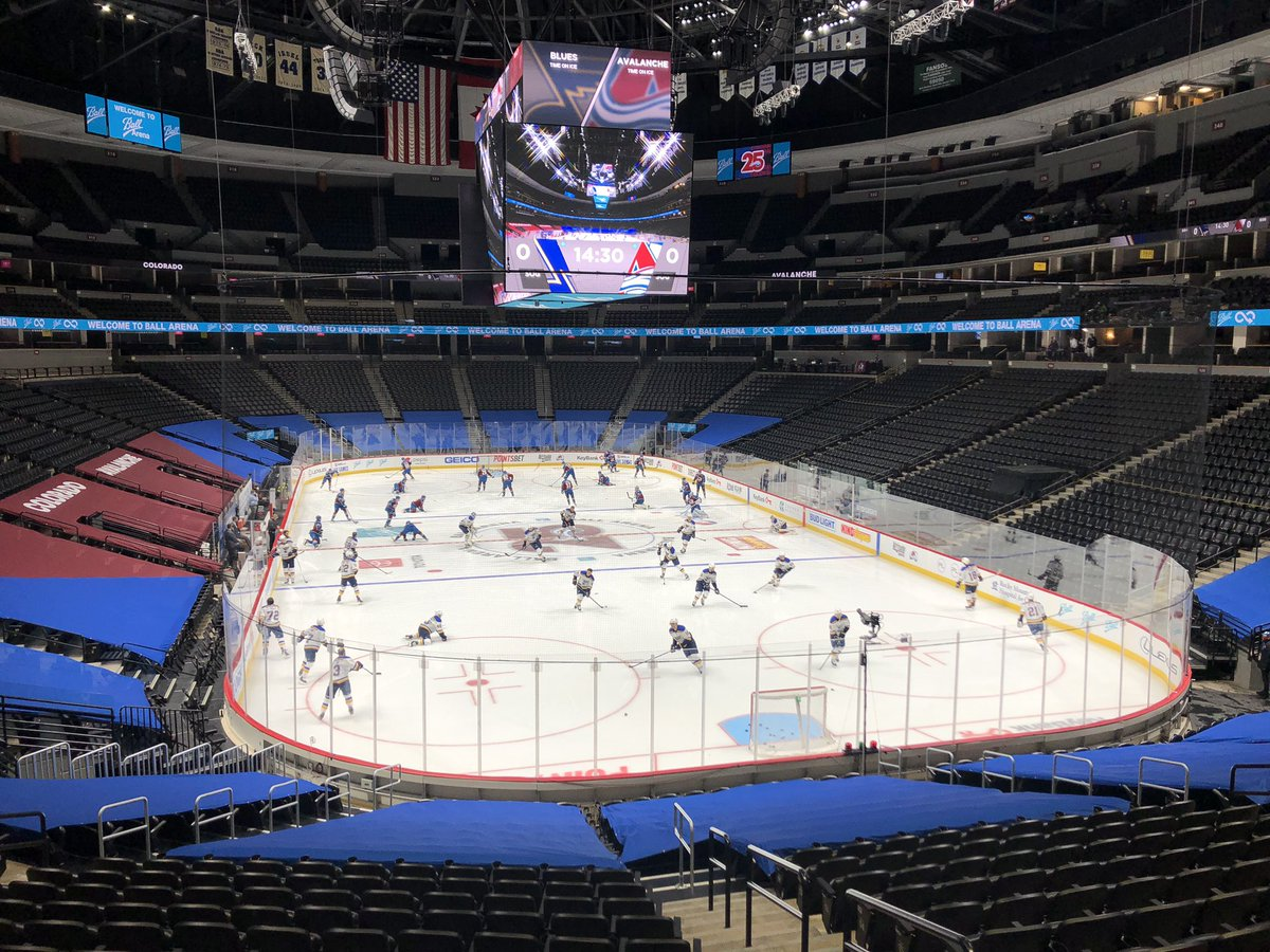 Game 2 in 30 minutes. #Avs fans: Give me a random, non-score related prediction for tonight.