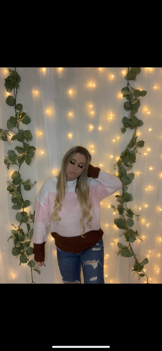 """shop the """"Fall in love sweater"""" at  ♡      #SmallBusiness #onlineboutique #shopsmall #chic"""