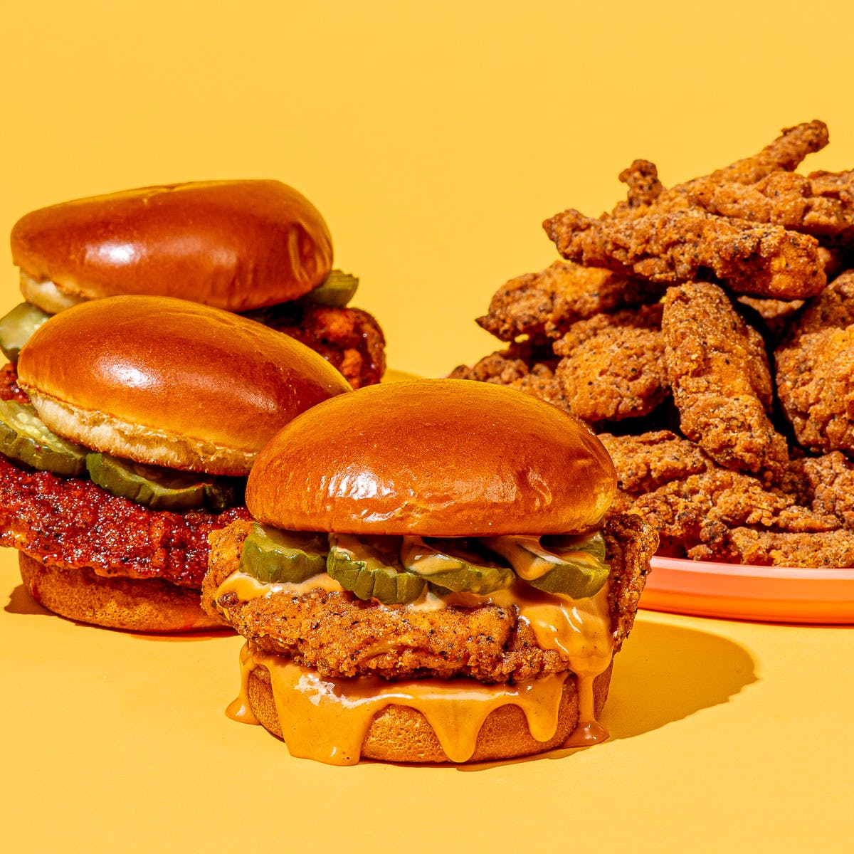 Did you hear the news?! #BigChickenShaq is now shipping NATIONWIDE with @Goldbelly! Enjoy our delicious crispy chicken sandwiches and tenders from anywhere in the United States! Use promo code GOLDBELLYIT to save $15 on your first purchase.  Order Now: