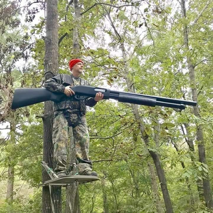 They told me I needed a gun for big game!  #big #bigguns #gotguns #biggame #hunting #shooting #shotgun #pump #gunsofinstagram