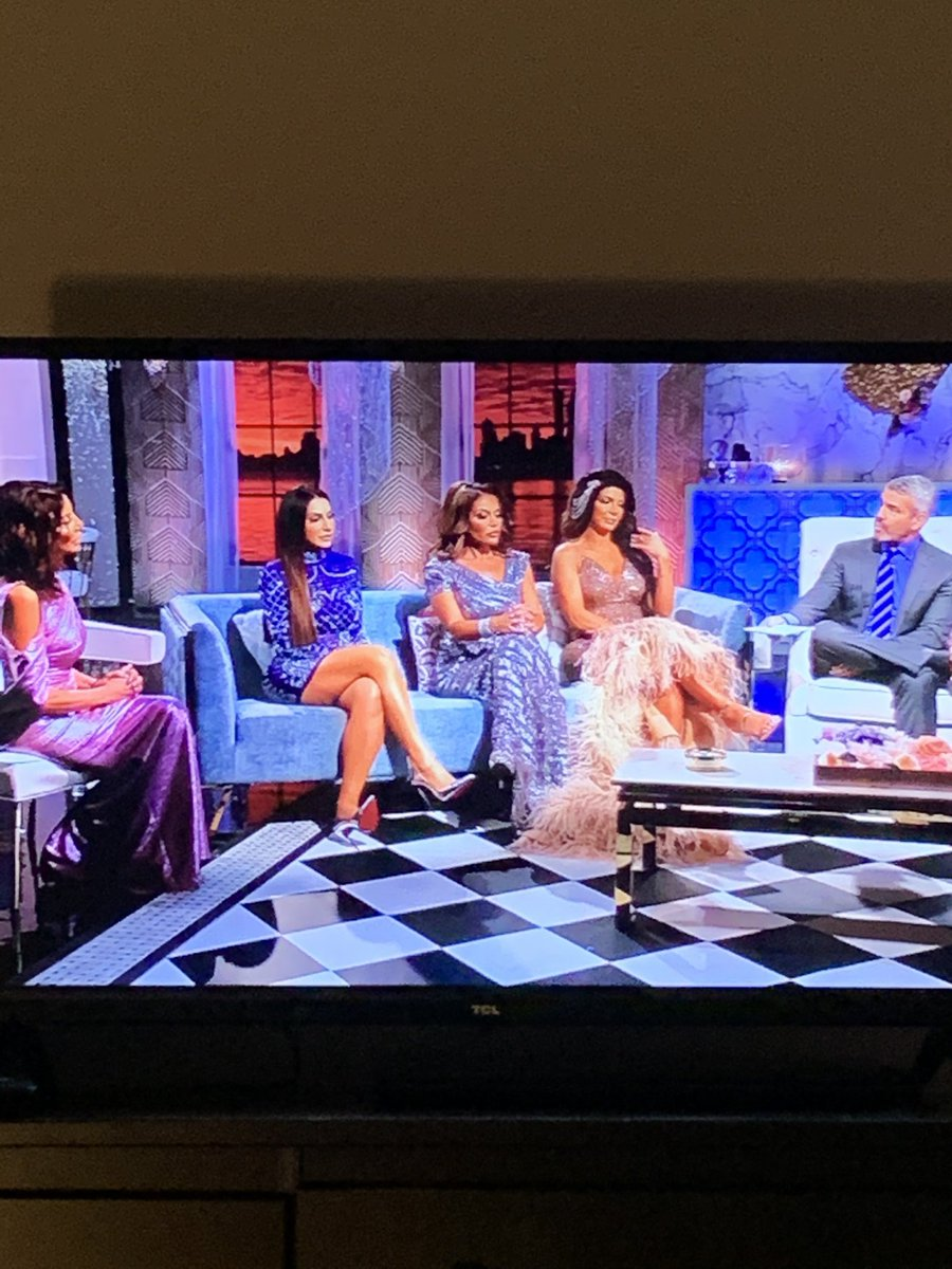 LMFAO don't get me wrong I am not a fan of Danielle but why they got her sitting in that chair like that? 😂 I know production did not do this cause she demanded to sit next to Andy 🤣 #RHONJ