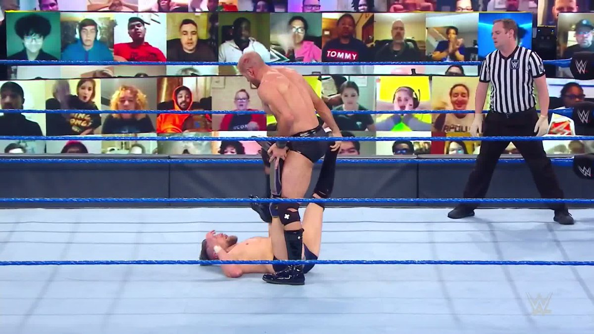 What a match between Cesaro & Daniel Bryan tonight.   #WWE #SmackDown