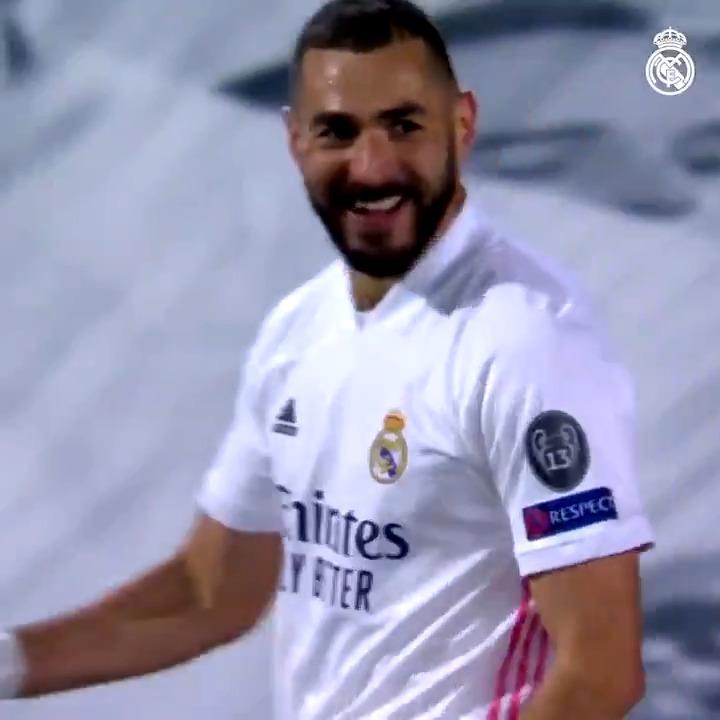 🔝 @Benzema lors de cette saison...  ⚽ 15 BUTS 🅰️ 5 Passes décisives 📺 VIDÉO COMPLÈTE:  #RealFootball | #HalaMadrid