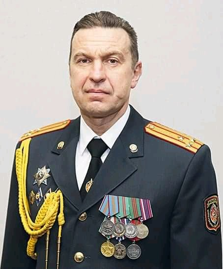 """#Belarus Deputy Interior Minister Karpiankou instructed police to murder protesters on a audio recording published yesterday. Importantly,he refers to direct orders from #Lukashenka: """"in terms of use of weapons, we're fully covered by the President"""" #PoliceBrutality #FreeBelarus"""