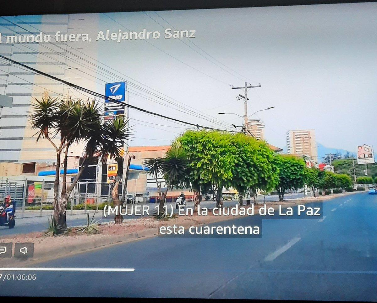Que hermoso #ElMundoFueraLaPelicula ,no se porque no la había visto...como me has hecho llorar @AlejandroSanz ... Hay que proponernos que cada segundo cuente  Saludos desde #Tegucigalpa  😍😘
