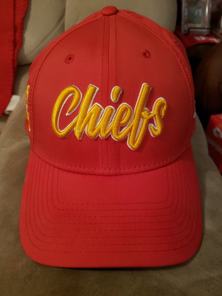 This was the hat of choice today on #NationalHatDay and #RedFriday!!! #ChiefsKingdom @NewEraCap