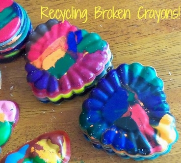 Recycling Broken Crayons!  Click here --->  #family #finance #moneymatters #financialpeace #savingstips