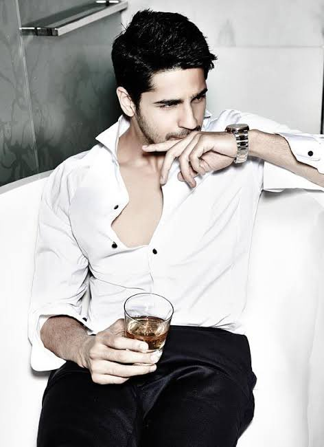 Replying to @filmfare: Here's wishing the super sexy and charming #SidharthMalhotra a very happy birthday.
