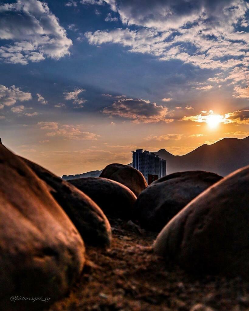 Repost @picturesque_cg ・・・ Just dawn & me... . . . . . . . #sunrise #sunrisephotography #instagram #justgoshoot #canonphotography #passionpassport #dawn #scape_captures #asia_photo_magazine #picsofhk #beautiful #ThisWeekOnInstagram #instagoodmyphoto …