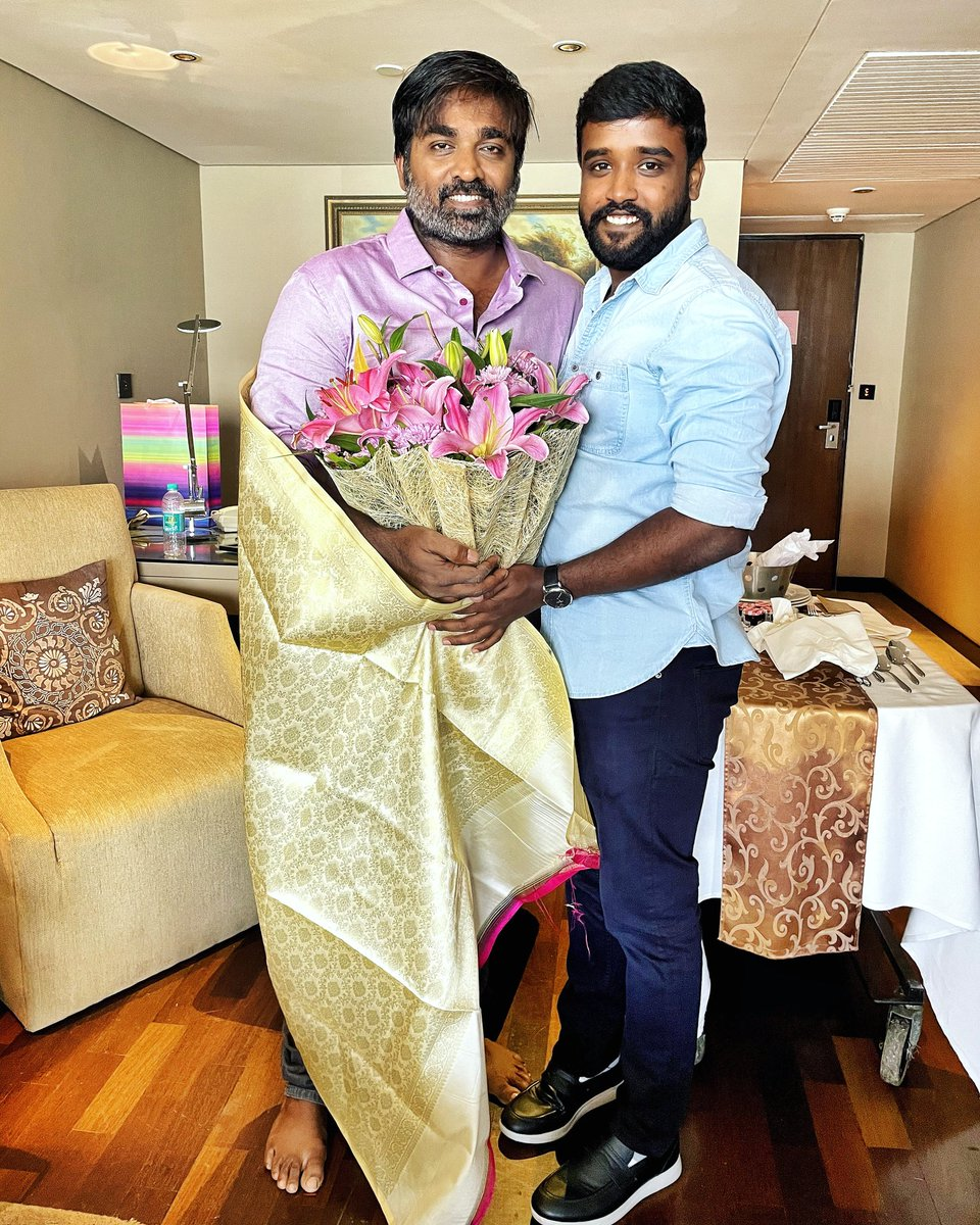 Replying to @kumaran_VSP: Happy Birthday my dear Anna😘❤💐   #HBDVijaySethupathi  #MakkalSelvan @VijaySethuOffl