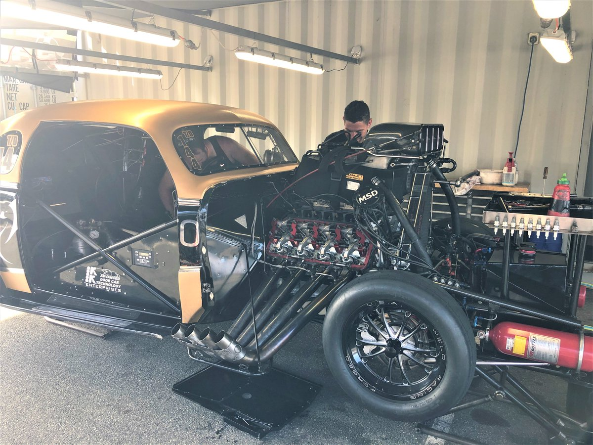 Holiday in WA! Motorplex Perth. See the cars and the interiors.   Read more about the a drag racing event at:    #ayearinperth #perthisok #visitperth #solotraveller #discoverperth #solotraveler #solotravelers #maturesolotraveler #dragracing #perthmotorplex