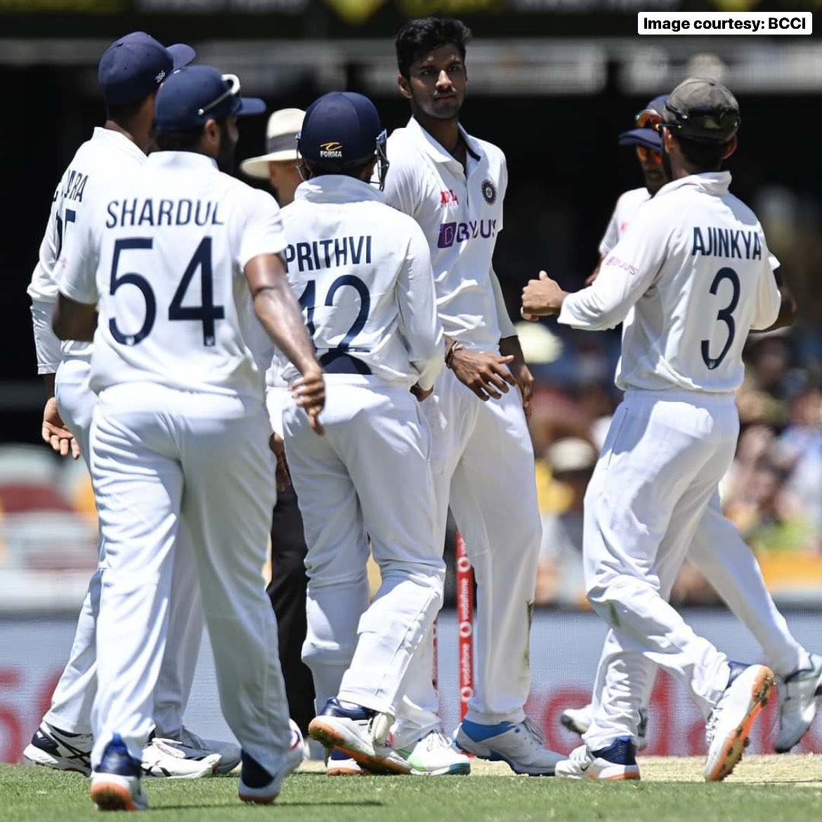 #TeamIndia's bowlers put on an impressive show to bowl out Australia in the first session early today👌  In response, India got to 62/2 before rain played spoilsport ☔️  #OneFamily #MumbaiIndians #AUSvIND @BCCI
