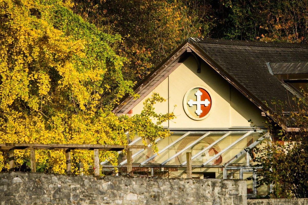 📸 Stéphane Constantin  #landscape #picture #myswitzerland #inlovewithswitzerland #patrimoine #house #abbaye #panorama #photo #nature #montagne #mountain #berg #stmaurice #saintmaurice #visit #visite #valaiswallis #valais #wallis #suisse #switzerland #schweiz #woods #sun