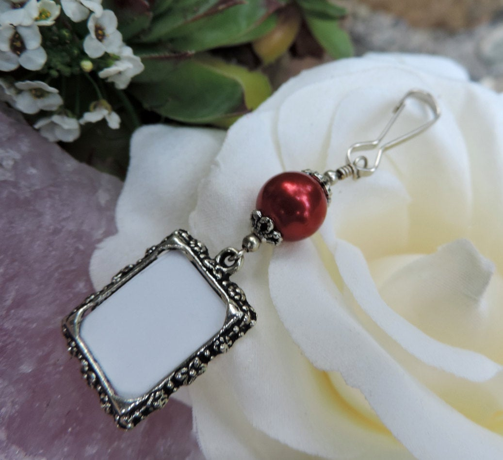 Here's a thoughtful gift for the #bridetobe! A small picture frame charm to remember someone she loves that won't be there to celebrate her big day  #etsy #etsymntt #epiconetsy #womaninbiz #Valentine #shesaidyes #engagement #wedding #bridal #gift