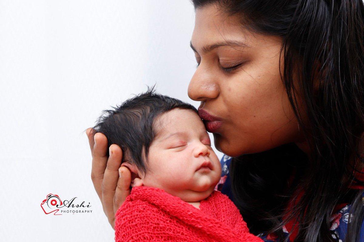 Newborn baby Photoshoot 👶🏻  2days to 15 days   For Booking Call or WhatsApp 7598212020 #newborn #infant #toddler #kids #cakesmash #familyportrait #maternity #wedding #events @MarthandamMeme2 @Me_Hell_Boy @VfAbishek @regusankar @Liben_Danny