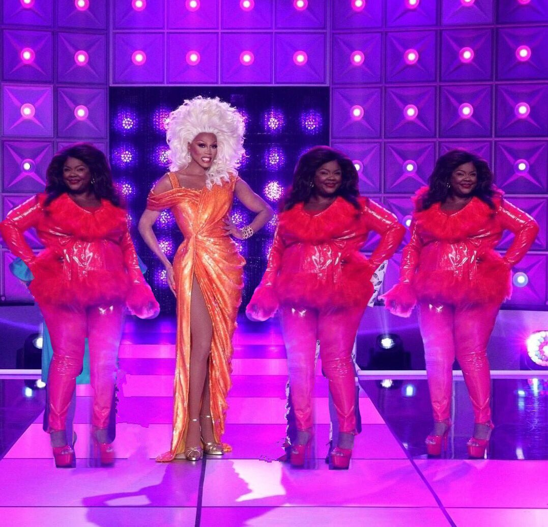 Let's TALK about HOW STUNNIN' Da judging panel LOOKED TONIGHT,mmmmm  #DragRace