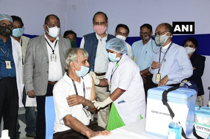 So blinded are we by our passions that we suffer more to be damned than to be saved -Charles Caleb Colton  Sh @ManishTewari & @INCIndia are only passionate about spreading distrust & rumours  Open your eyes,sharing photos of eminent Doctors & Govt functionaries getting inoculated