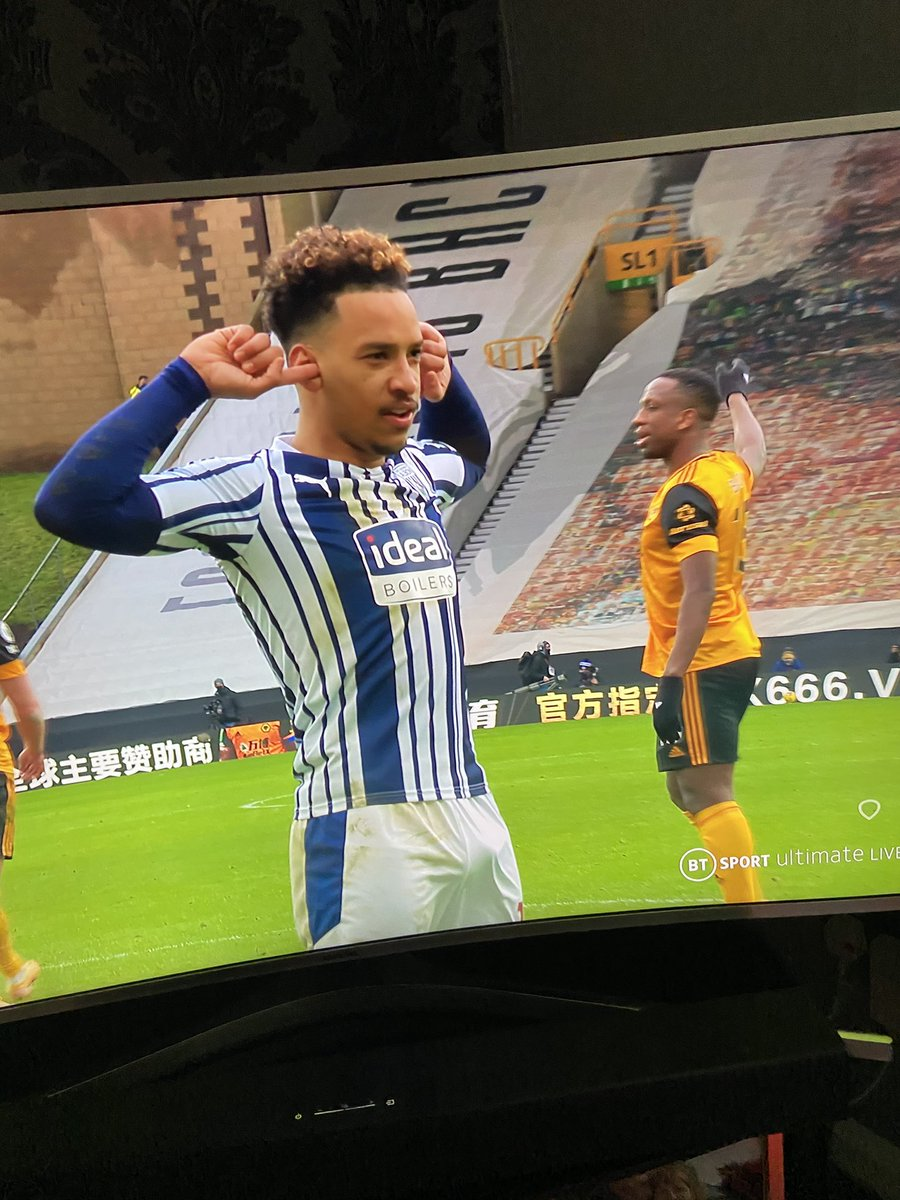 @MatheusPereira You were VERY pleased with that penalty weren't you! 🍆💙🤍💚💛 #WOLWBA #COYB