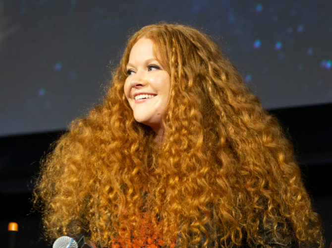"""""""I'm queer and proud!"""" 'Star Trek' star Mary Wiseman comes out"""