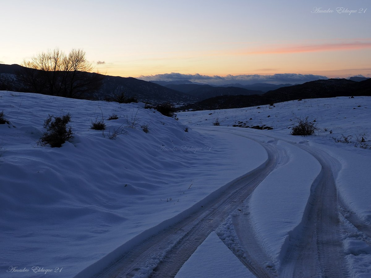 2021 está siendo difícil de transitar y no me refiero sólo a los efectos colaterales de la #borrasca. Tenemos nubes en muy distintas facetas de nuestra existencia. En fin, los que nos consideramos corredores de fondo, tenemos mucho quehacer...😌 #Escusaguás #Huesca #Aragón #Spain