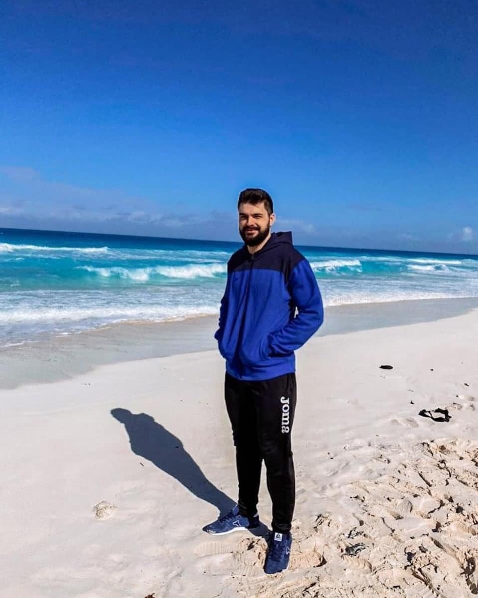 """دينيس فاسلييف لاعب منتخب روسيا:"""" الاجواء في مصر رائعة لم اراها في بطولات اخرى. الطبيعة خلابة والتنظيم ممتاز """" 🗣😍🇷🇺"""