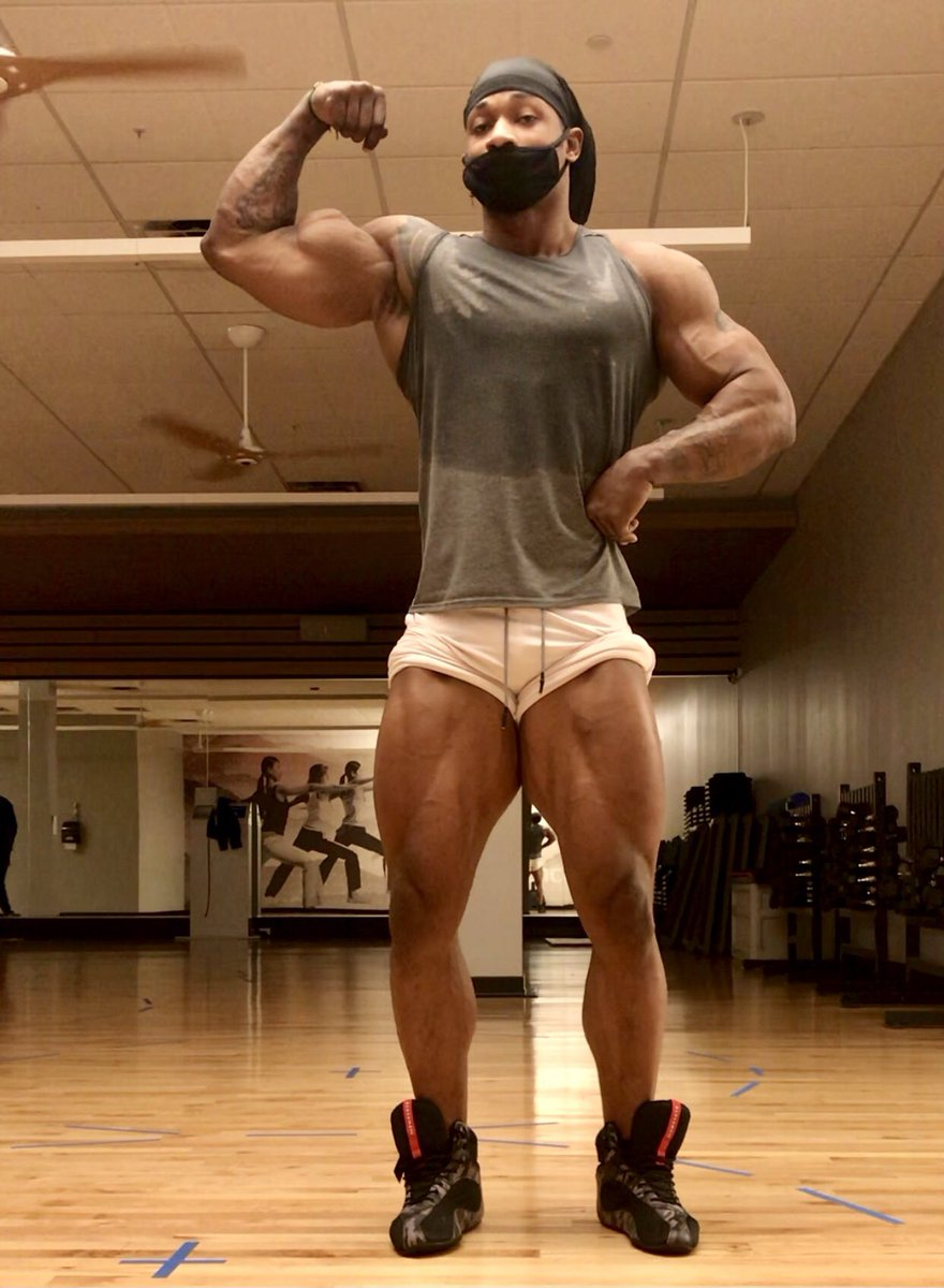 About to add some mass and maybe a second eye can take over from there.   Btw, good morning!   #fitguys #FitnessMotivation #HappySaturday #Motivation #BeHappy #gratefuleveryday #Weekend #SaturdayMorning #GoodMorningTwitterWorld