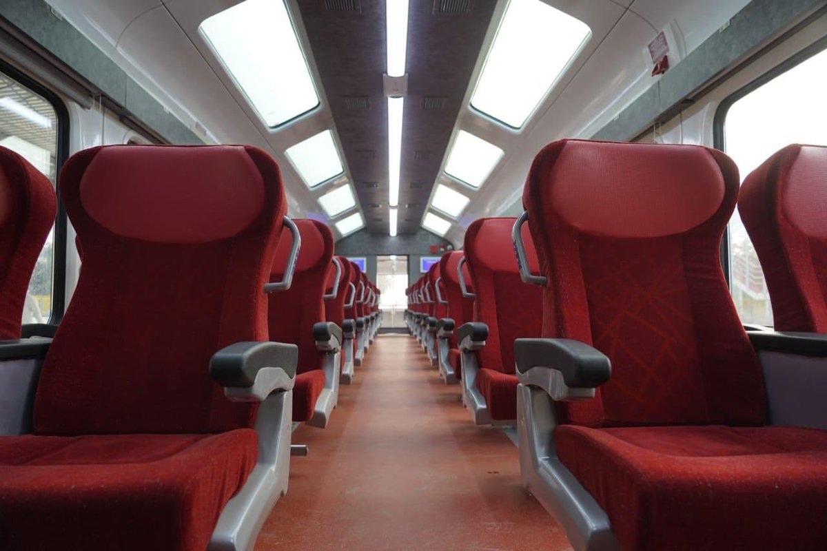 One of the trains being flagged-off tomorrow is the Jan Shatabdi Express between Ahmedabad and Kevadia. This train will have Vistadome coaches.  Sharing some glimpses. https://t.co/ihsZoxOo8S