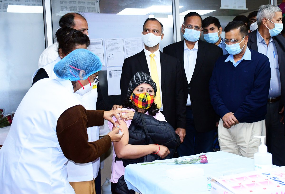 Reviewed the vaccination drive at LNJP hospital with Hon'ble CM Shri @arvindkejriwal ji.   Our front line workers received the first dose of the vaccine. I appreciate their endless efforts and dedication.    Kudos to our scientists for their tireless work!  #CovidVaccine