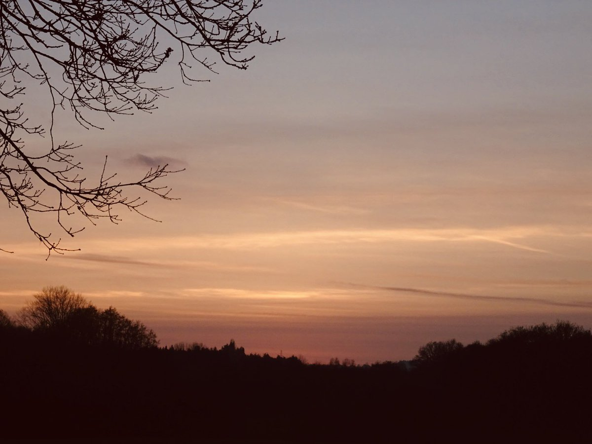 A reminder that days can end beautifully even during a pandemic.  #wellbeing #gratitude #sunset #Windlesham #Surrey