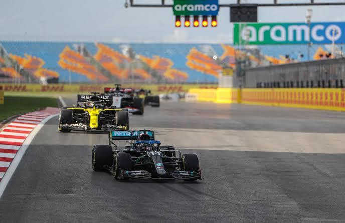 TÜRKİYE GP İÇİN SÜRPRİZ GELİŞME!  Bazı kaynaklar; Monaco, Azerbaycan ve Kanada yarışlarının 2021 takviminden düşeceğini iddia etti.  23 Mayıs'ta düzenlenecek Monaco GP yerine Türkiye'nin dahil edilme ihtimali bulunuyor!   #F1 #Formula1 #TürkiyeGP 🇹🇷