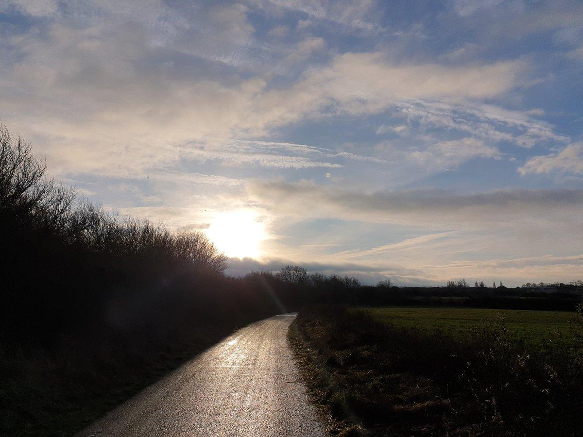 Morning walks.  #100daysofwalking #SaturdayMorning #selfcare #sunrise #sunrisephotography