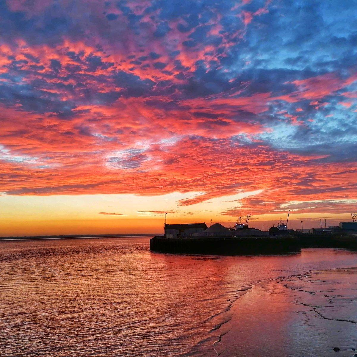 Sunset over Riverside Quay  #hull #travel #sunset