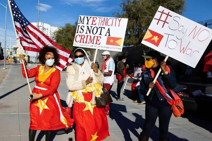 Many #Tigray|ans in the US & around the 🌍 have been protesting for 2+ months urging for the #WarOnTigray to end, yet Institutions like #UN & #AU chose to remain quiet. We're hoping that the new US admin would take swift actions now & end crimes against humanity. #BidenTakeAction
