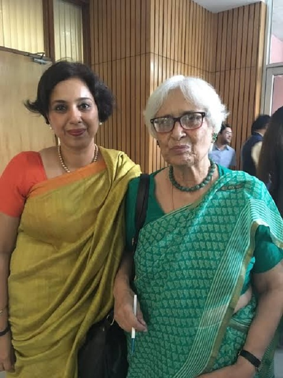 @Swamy39 @Rumm17913821 @Karma6X @ArvindChaturved @jagdishshetty @colkt @nviswam @ragusmg2 @vishalnautamlal @VarshaThacker @SinghVhs @Treasure1725 @chitrapadhi @GurudathShettyK @RupamDu22916188 Archives: Suhasini Haidar & Dr. Roxna Swamy 🌟💥  (Like Mother, Like Daughter)