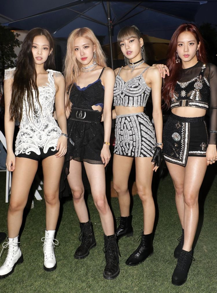 I am sorry but ı can not stand the jennie stans cuz there are so toxic and close minded they do not respect the other girls #blackpink #jennie #lisa #jisoo #rose #제니 #리사 #로세 #지수 #respect #happybirthdayjennie